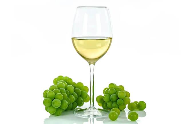 Tipos de vinos blancos según las uvas