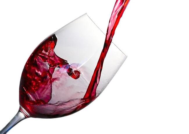 ¿Cuántas copas salen de una botella de vino?